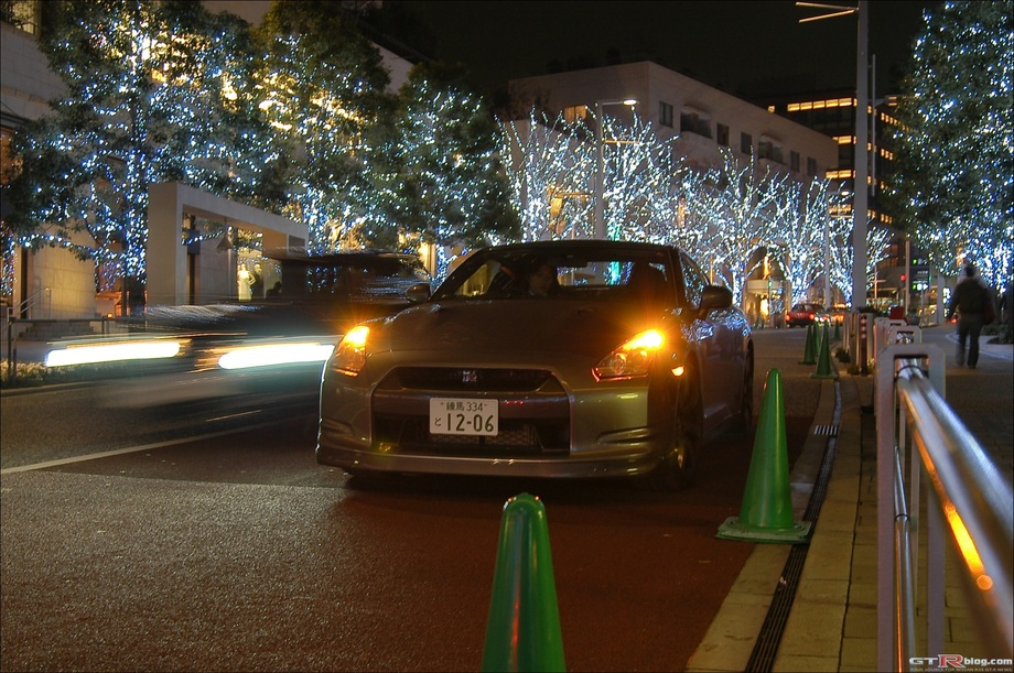 GTRBlog Drives the R35 GT-R - Parked in Roppongi, Tokyo