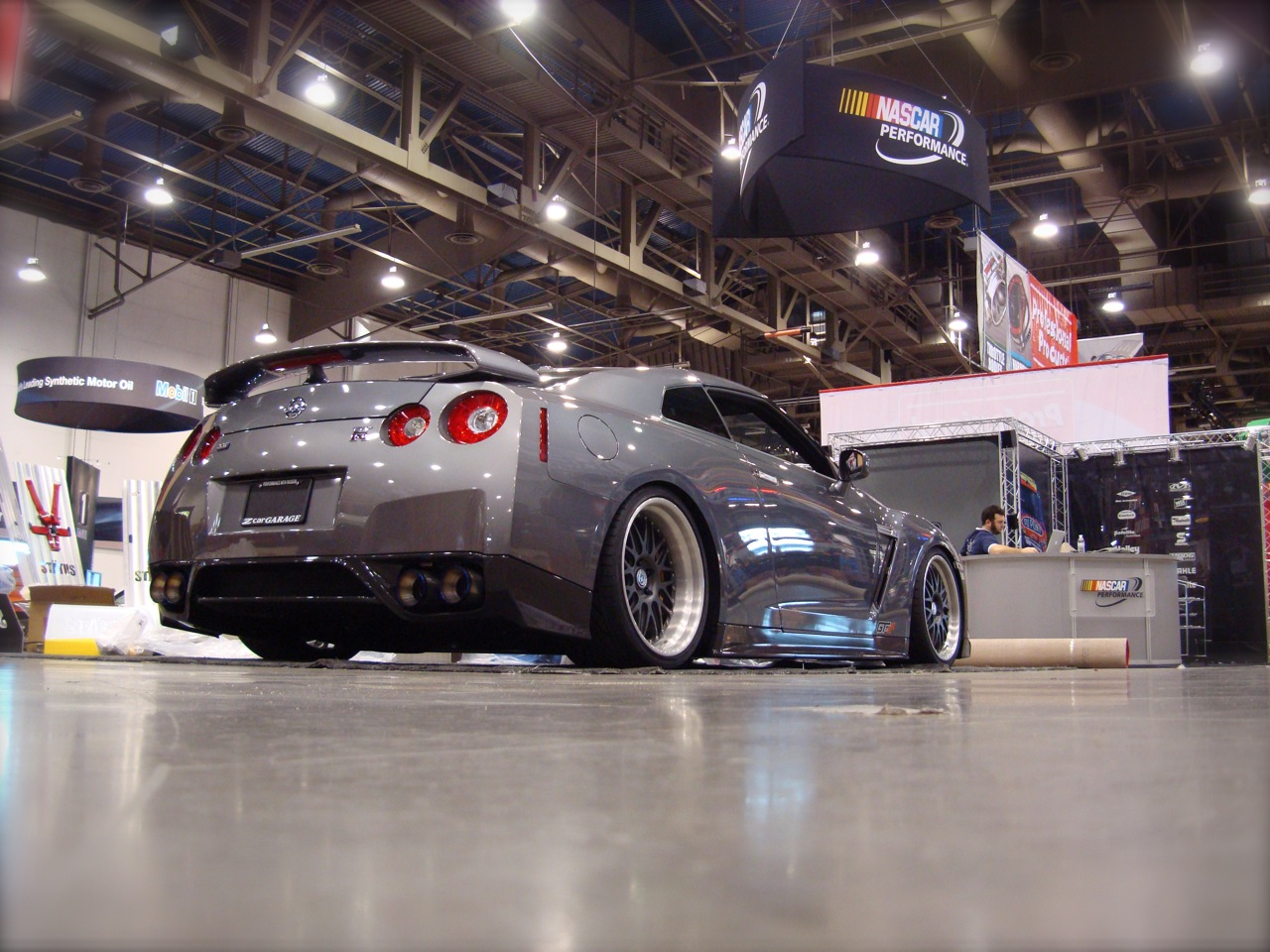Z Car Garage GT-R Photos