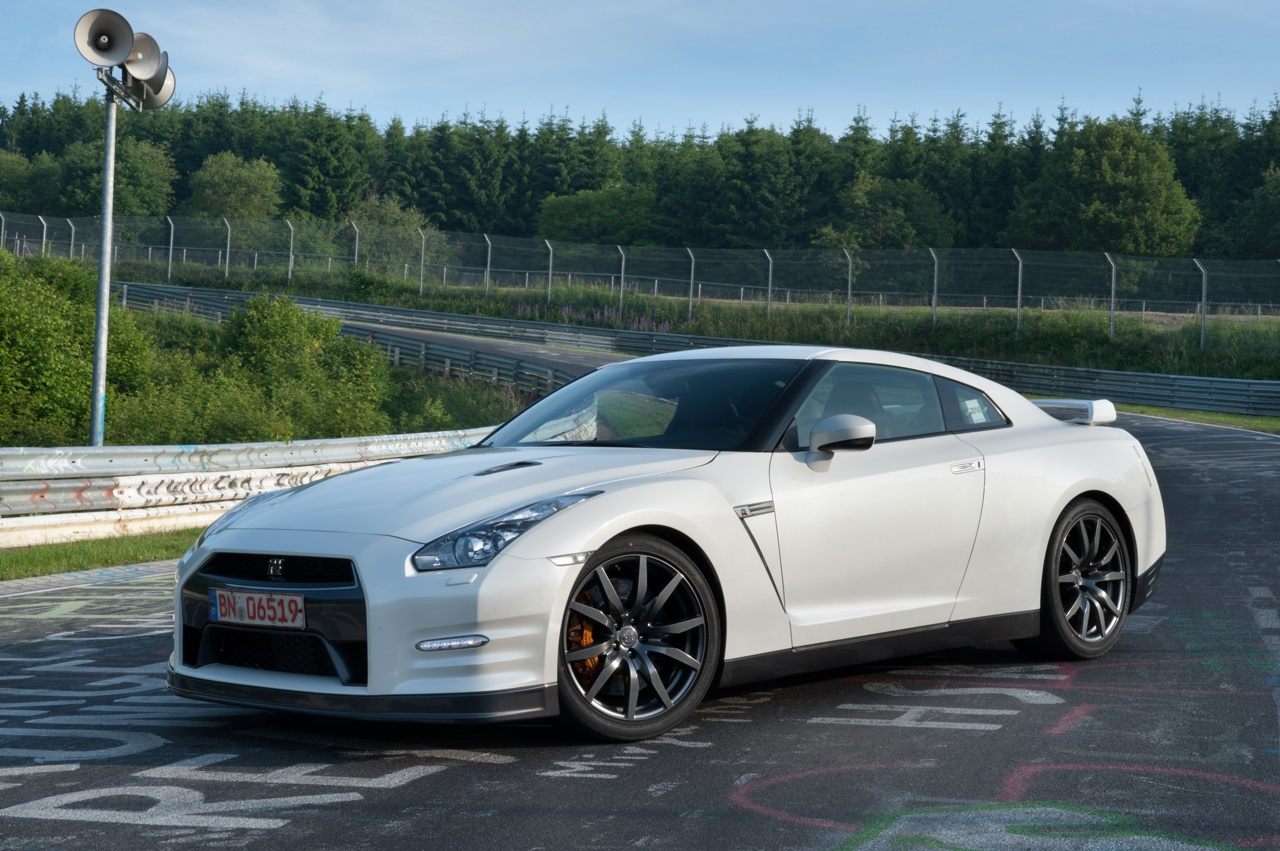 nissan gt r news official launch my11 2012 nissan gt r nissan opens info. Black Bedroom Furniture Sets. Home Design Ideas